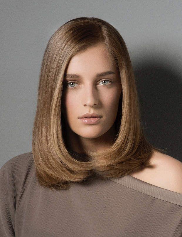 Domptez les volumesDisciplinez vos cheveux longs et épais avec cette coupe dégradée sur les pointes. Cette technique permet d'alléger le bas de la chevelure, pour mieux épouser les contours du visage, tandis que le reste de la coiffure est parfaitement raide. Idéal pour affiner ou remodeler l'ovale du visage.