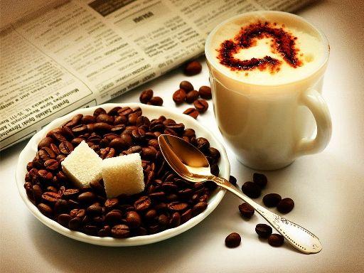 Πρωινός Καφές: Ποτέ με Άδειο Στομάχι! Ο καφές είναι πλούσιος σε αντιοξειδωτικά και μπορεί να βοηθήσει στην πρόληψη σοβαρών παθήσεων υγείας, όπως ο καρκίνος του παχέως εντέρου.