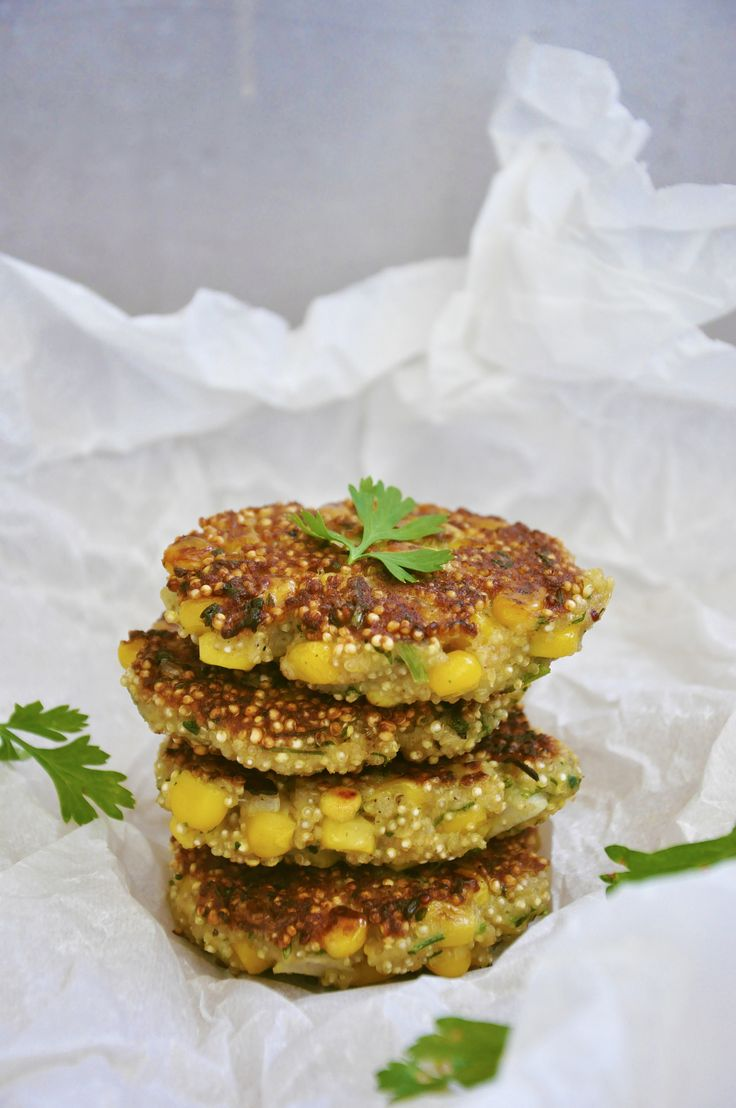 Quinoa patties with sweet corn and fresh herbs, ready in just 30 minutes.
