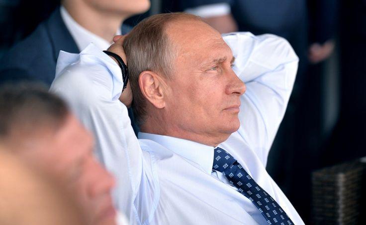 «Русская угроза» для идиотов: Запад боится загнать Путина в угол http://kleinburd.ru/news/russkaya-ugroza-dlya-idiotov-zapad-boitsya-zagnat-putina-v-ugol/  По словам заместителя министра иностранных дел Украины Елены Зеркаль, западные страны не рискуют давить на президента РФ Владимира Путина в связи с тем, что Россия обладает ядерным оружием. Она уверена, что больше всего представители Запада боятся «загнать российского президента угол», так как это может повлечь за собой необратимые…
