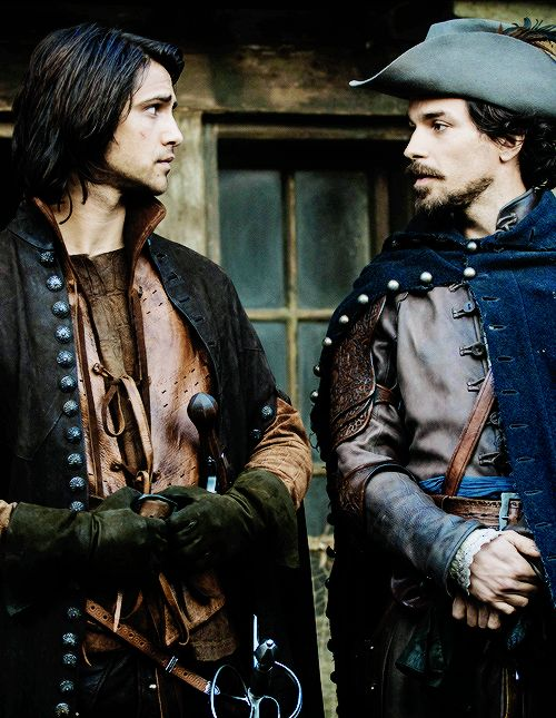 D'Artagnan and Aramis in The Musketeers (Luke Pasqualino and Santiago Cabrera)-- seriously considering if i should watch this just bec its Lancelot and Freddie!!