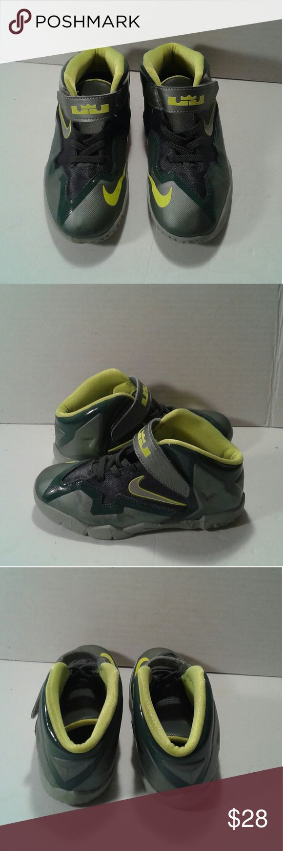 Nike LeBron James shoe's boys size 10c This is a used pair of Nike LeBron James shoe's boys size 10c ( toddler ), they are green and neon yellow leather shoe's. They have velcro straps. they are in great used condition. Please view the pictures and if you have any questions please ask. Nike LeBron James  Shoes Sneakers