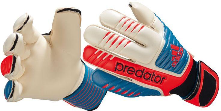 Die Adidas Predator Pro Torwarthandschuhe für die EM 2012 und die Bundesliga Saison 2012/2013