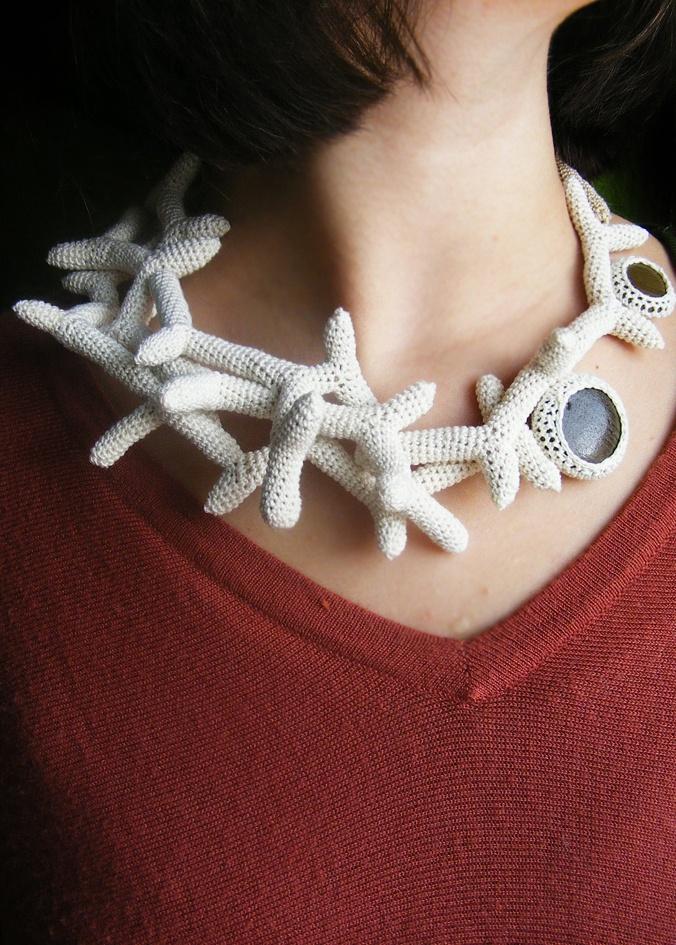 """Colier """" Coralia"""" (129 LEI la lida.accessories.breslo.ro)"""