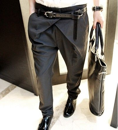I'm not a big fan of the belt but the design of these pants is very interesting.