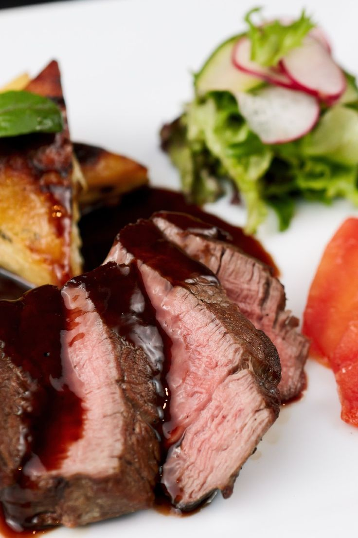 Flat Iron Steak with Red Wine Sauce Dinner