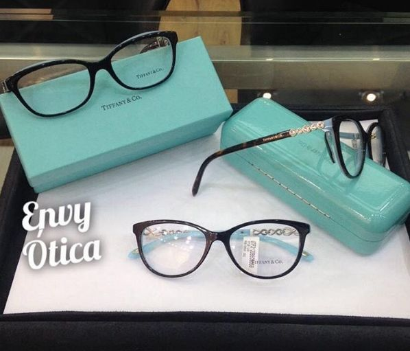 14d1e3b81ed08 Tiffany E Com óculos. Tiffany Sunglasses   SHADES   Pinterest