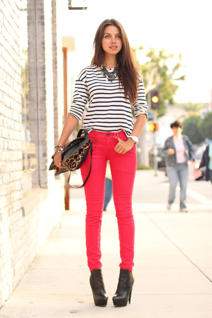 striped shirt, red jeans and animal print handbag: Annabell Fleur, Red Skinny, Red Jeans, Robertson Red, Fashion Blogs, Color Jeans, Beautiful Fashion, Annabel Flower, Red Pants