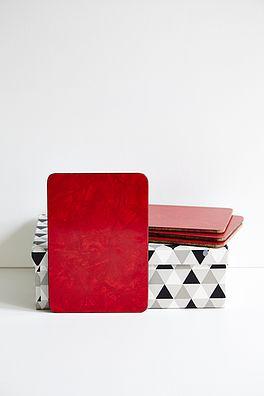 4 stk røde smørebrikker - 100kr. Køb den på www.loppedesign.dk