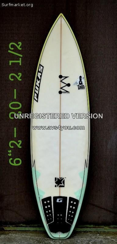 Tabla pukas 2º mano.  Incluye quillas y Grip.  Modelo:Pseudo-mix  Shaper:Magote  Medidas: 6 2- 20- 2 1/2  disponemos de una amplia gama de material de surf,si estás interesad@ CONTÁCTANOS¡¡