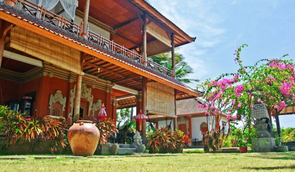 Sinar Cinta Bali – Balinese villa aan zee in Amed :: Home nl