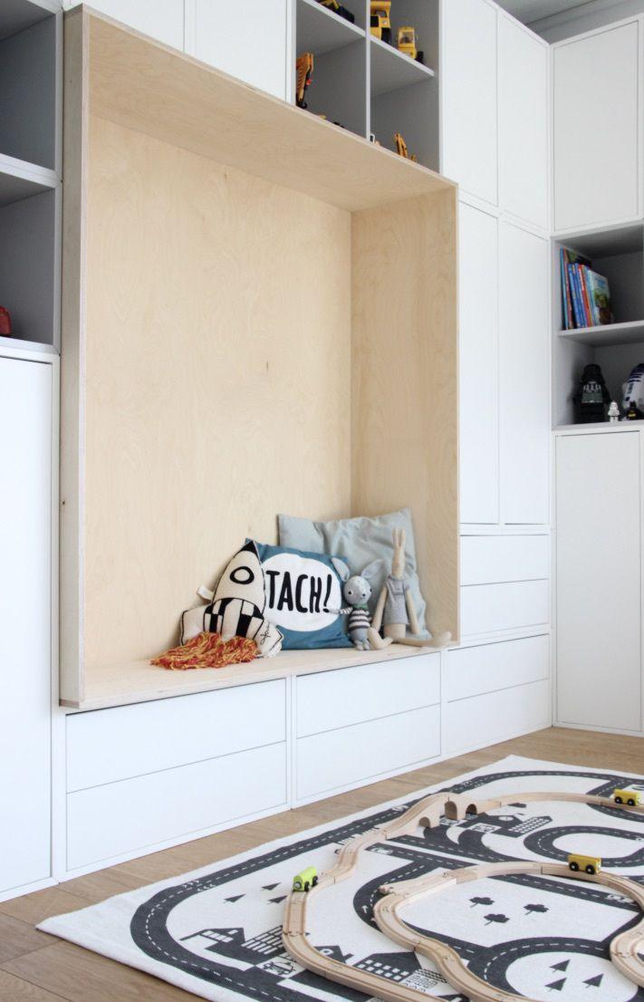 Ikea eket mit integrierter sitzbank kids rooms in 2019 for Kinderzimmer schrankwand