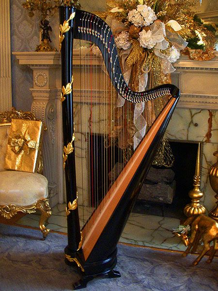 Black Gold Laurel Leaf Classic Column Harp - love the harp - if I could learn an instrument, this is what it would be...