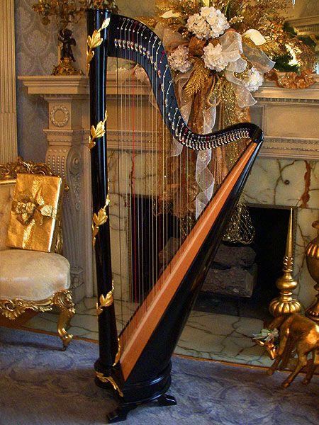 Black Gold Laurel Leaf Classic Column Harp