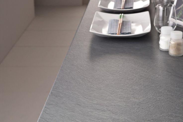Lundbergs bänkskiva Onyx i laminat. Passar utmärkt som köksbänk, arbetsbänk eller skrivbord