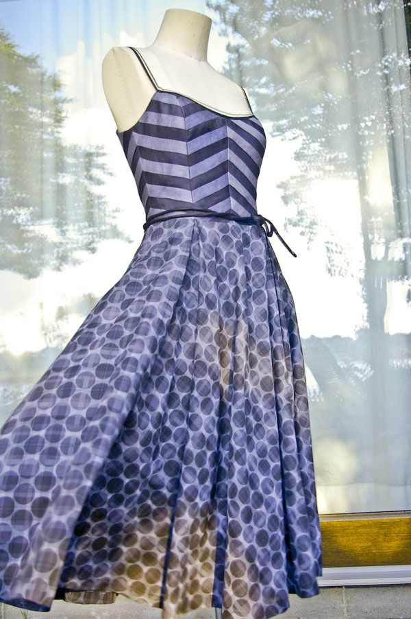 50er Jahre Kleid, mit oder ohne Petticoat - 50s Fashion / 1950s inspired dress - 34-44