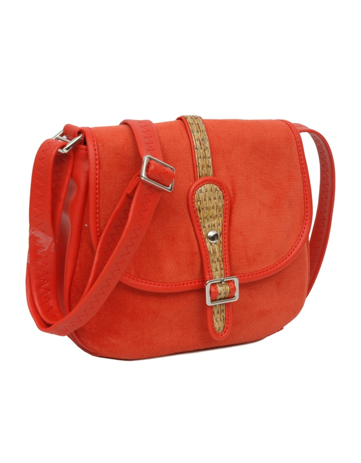 Fusion of styles is what makes the aesthetic of this sling bag from Baggit work.