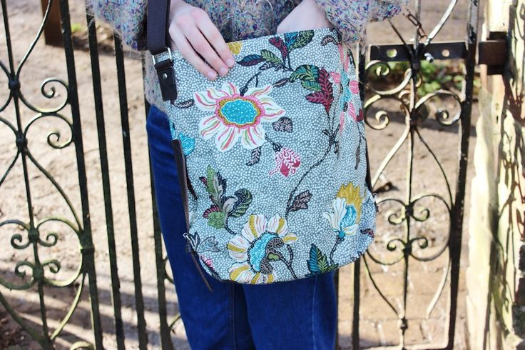 Grey Flower Linen Shoulder Bag 54