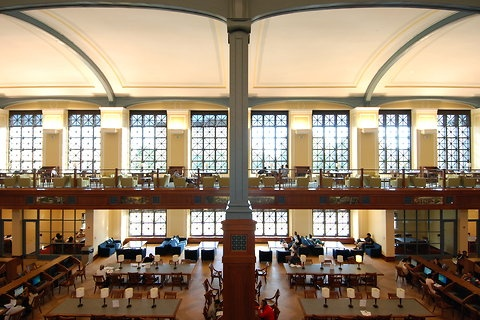 The new North Hall and Library at Bronx Community College