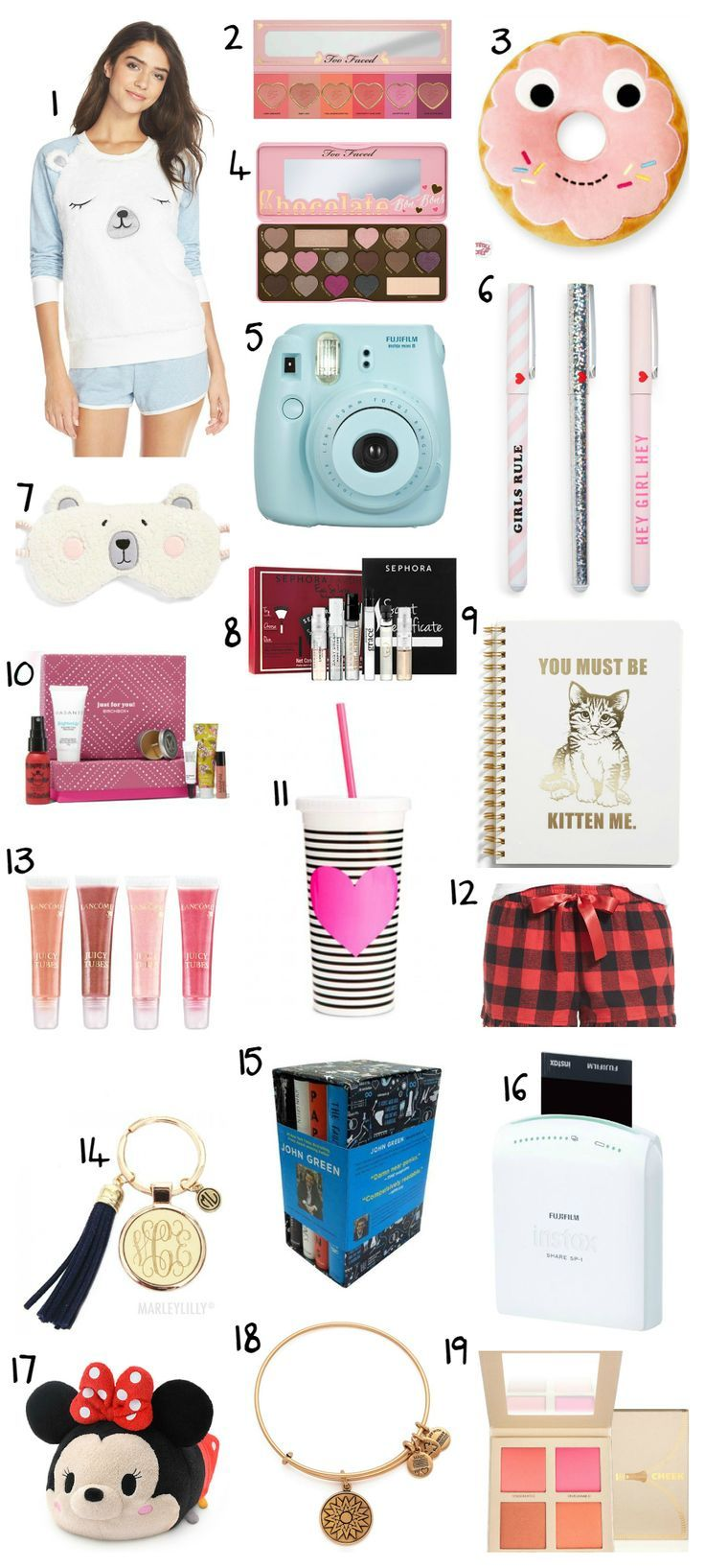This post features over 30 of the BEST Christmas gift ideas for teens! The ultimate Christmas gift guide for teen girls by blogger Ashley Brooke Nicholas | Christmas gifts, gift ideas, gifts for teens, best gift ideas, affordable Christmas gifts