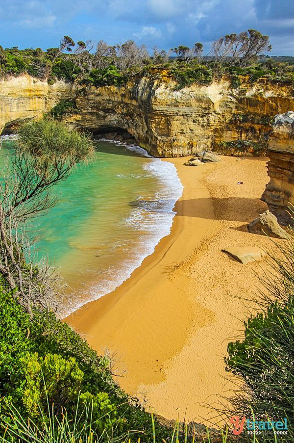 Don't miss Loch Ard Gorge along the Great Ocean Road in Australia. Check out this 3 week itinerary for your visit to Oz!