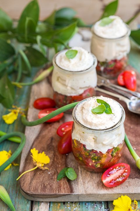 INGREDIENTS BY SAPUTO | We're crazy about summer verrines! Delight your guests with these bruschetta-flavoured small pots made with tomatoes and Saputo Parmesan whipped cream. They're perfect for a first course or as garden party hors d'oeuvres.