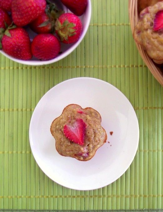 Recipe: Strawberry-Banana Quinoa Muffins | Poor Girl Eats Well — How ...