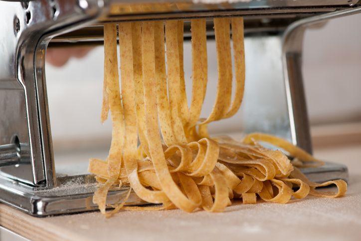 La ricetta facile per preparare in casa della pasta proteica perfetta per primi sani e nutrienti