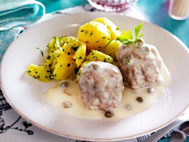Unser beliebtes Rezept für Königsberger Klopse mit Salzkartoffeln und mehr als 55.000 weitere kostenlose Rezepte auf LECKER.de.