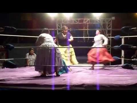 Bolivia - Wrestling Women - Cholitas, La Paz http://marcoslocaladventures.com/