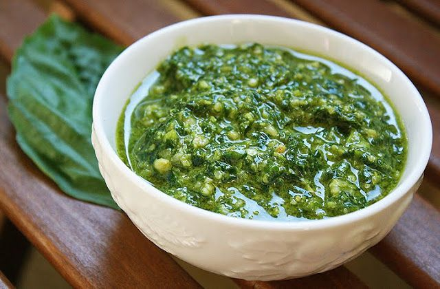 The Comfort of Cooking » Easy Basil Pesto