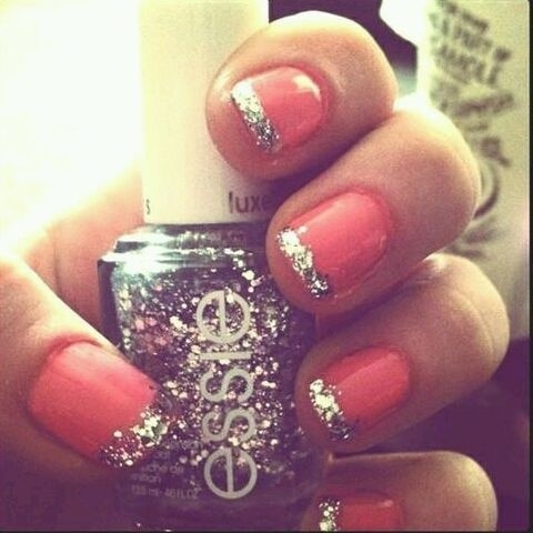 Glitter nail tip with coral base. #essie