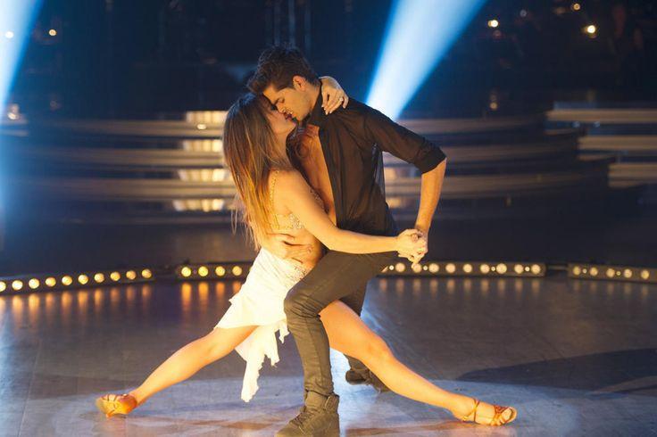 """Laetitia Milot et son partenaire Christophe Licata dans """"Danse avec les stars 4"""" le 2 novembre 2013"""
