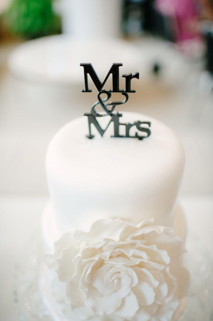 Mr & Mrs cake topper | Images by Carbon Copy Studios