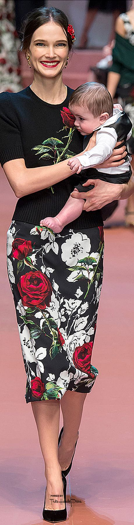 The Dolce & Gabbana Fall 2015 Show Will Make You Want to Call Your Mom—Trust Us