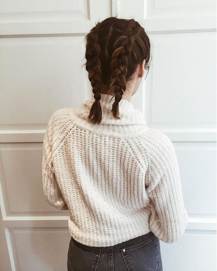 Blogger Mailili Sasabon proves that boxer braids looks just as good on short hair as they do long. Now where did we put those scissors?  #refinery29 http://www.refinery29.uk/plaits-hair-instagram-hairstyles#slide-15
