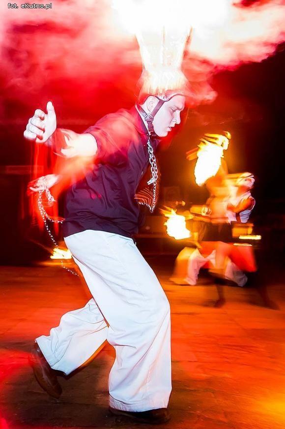 IV Festiwal Ognia Fireproof pod patronatem eKutno.pl.. #fireshow #antares #fireproof #fire #spark #poi #shine #beauty #fireworks #show #festival #ogień #pokaz #konkurs #iskry #piękno #festiwal