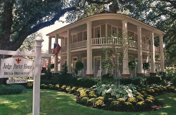 Judge Porter House Bed and Breakfast in Natchitoches, Louisiana   B
