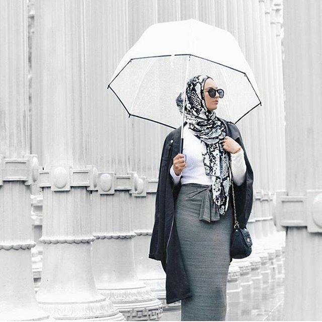 Rainy day #repost from @austereattire  #hijaboutfit #hijablook #hijabstyle #hijabblogger #hijab #hijabi #hijabista #hijabers #hijabinspiration #hijabfashion #hijabfashionista #modestfashion #modestwear #modesty #modest #fashion #love #look #style #outfit #ootd