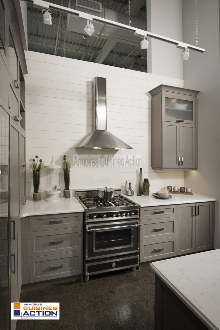 Cuisine cote est cuisine en polyester un look a for Armoire de cuisine en polyester