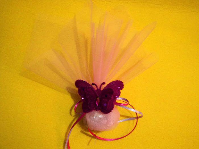 Οικονομική Μπομπονιέρα βάπτισης φούξια πάνινη πεταλούδα