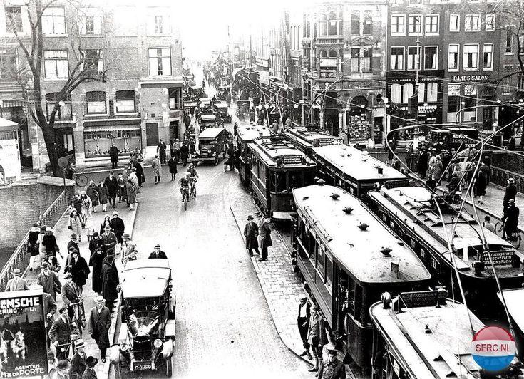 Utrechtsestraat ter hoogte van de Keizersgracht (jaartal: 1920 tot 1930) - Foto's SERC