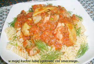 W Mojej Kuchni Lubię..: pomidorowe leczo z kiełbasą i makaronem...