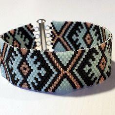 Bracelet menthe et pêche tissage peyote en perles miyuki