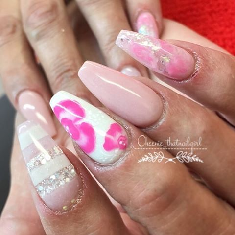 I call them candy floss nails💗💓💅🏻 done using #cjpproducts ❤️ #ombre #salonnails #pinkandwhited #sculptednails #salonssculptednails #caption #customnails #fade #gelnails #nails2inspire #nailsoftheday #naildesigns #newnailideas #ombrepolish #ombre #ombrepolish #thatnailgirl #cheenie_thatnailgirl #cheenie_meenie #grey #purple #green #3drose #glitterfade #envoguegel  For appointments call: 01274 398517 or dm me😊