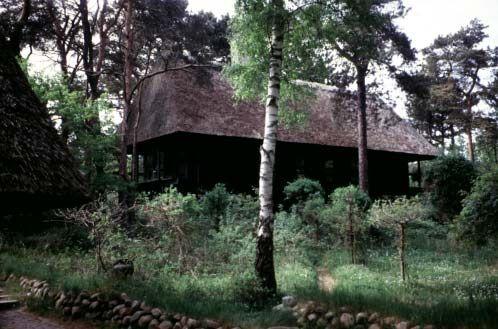 """[Billede: Her ses """"Korshagehus"""", Nykøbing-Rørvig, et moderne sommerhus fra 1960-erne.]"""