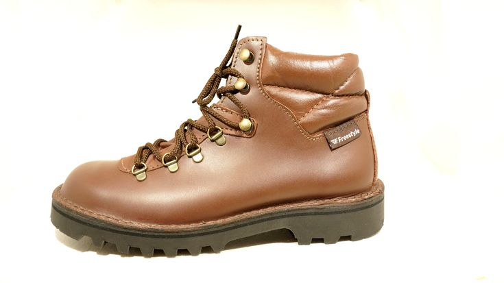 R 1'100 (Mid Brown) Genuine Leather Freestyle Seamus Comfortable and Durable Work Boot. Double Stitch Down Construction. Handcrafted in South Africa Code: 123210