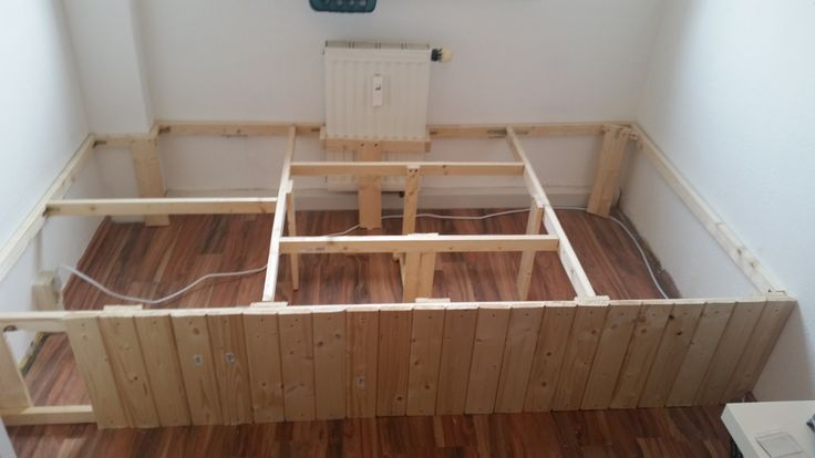 die zwischenst tzen sind eingebaut die zaunlatten f r die. Black Bedroom Furniture Sets. Home Design Ideas