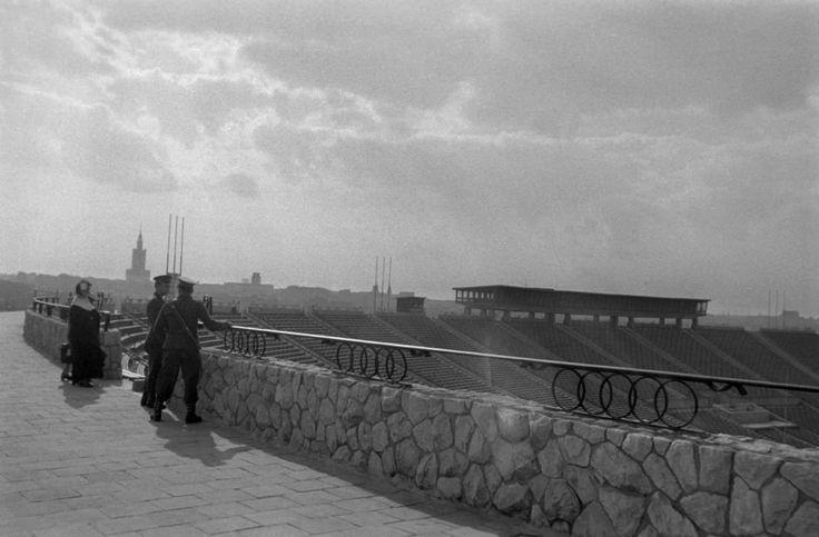 Howson fotografował w Krakowie, Warszawie i Lublinie. Na zdjęciu Stadion Dziesięciolecia w Warszawie