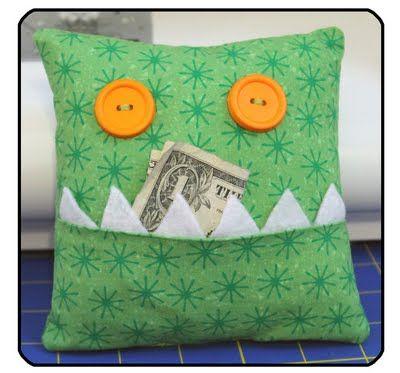 monster pillow this is such a cute idea - Riesiges Haikissen Das Dich Frisst